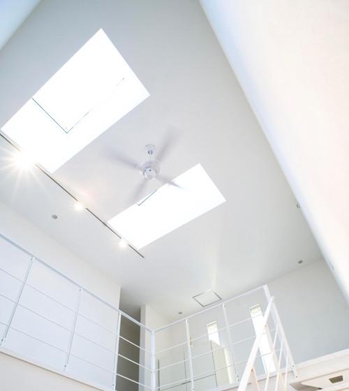 天窓がもたらす明るさと快適
